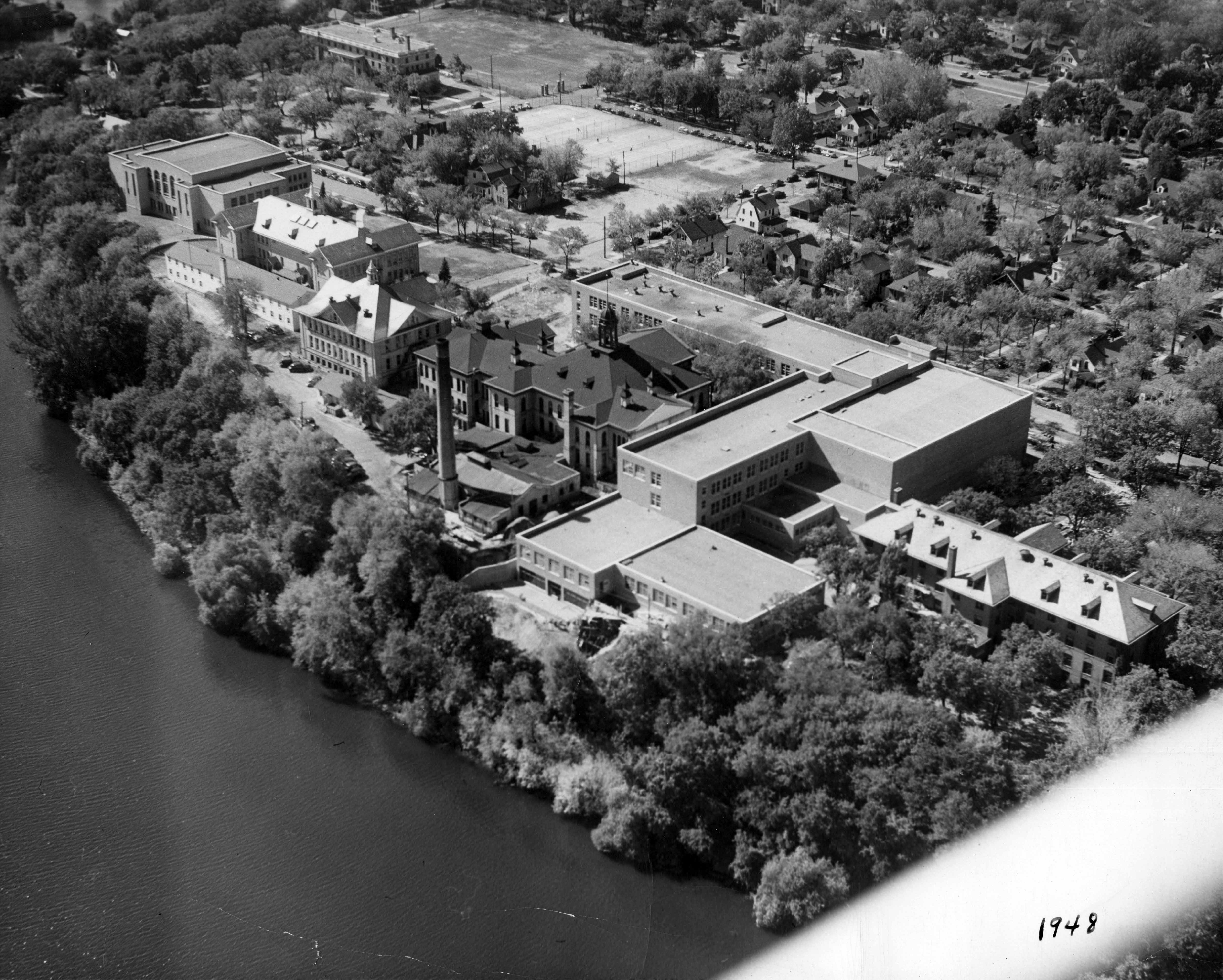 Aerial view of Stewart Hall and Old Main, 1948