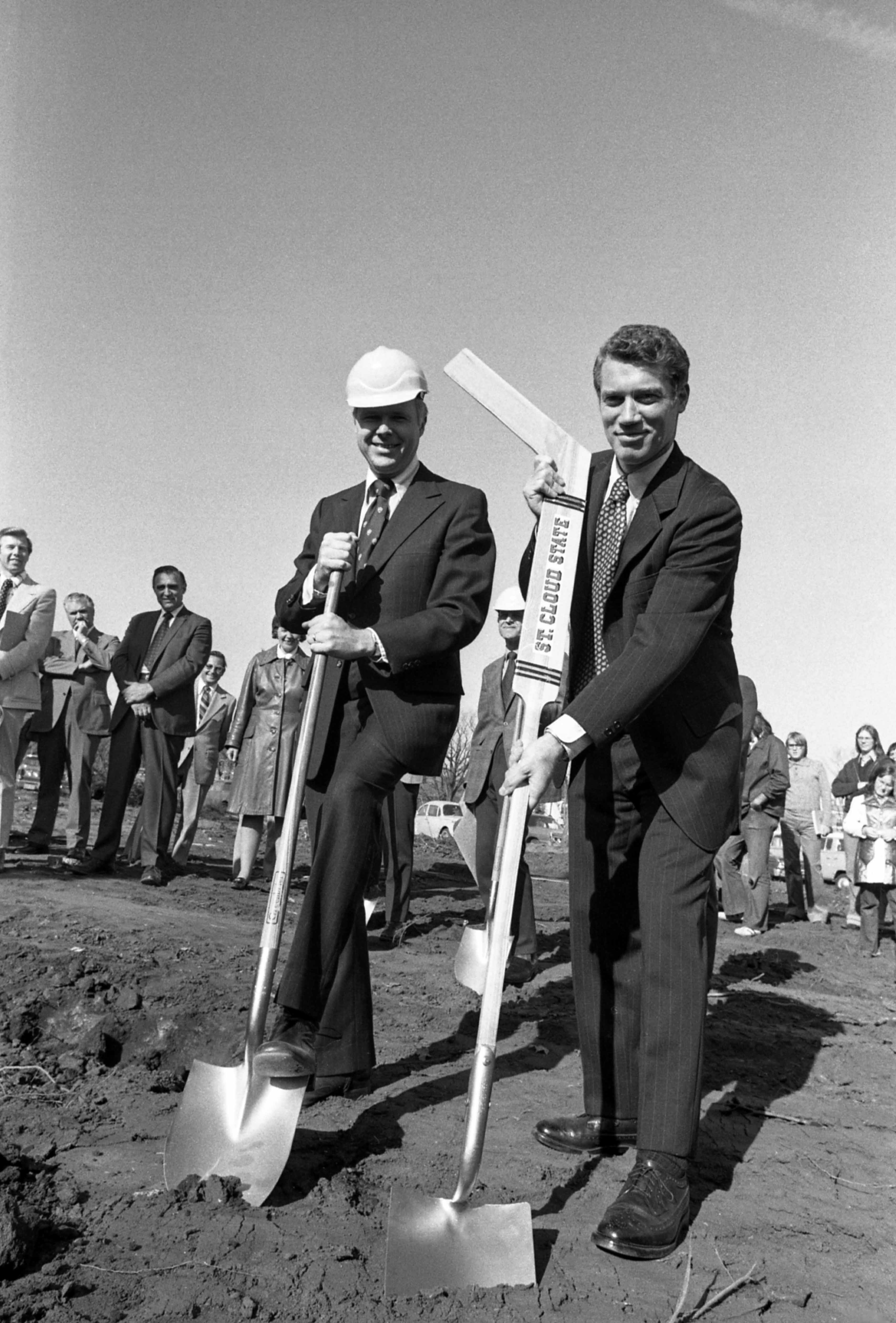 Charles Graham and Minnesota governor Wendell Anderson at the groundbreaking, October 1975