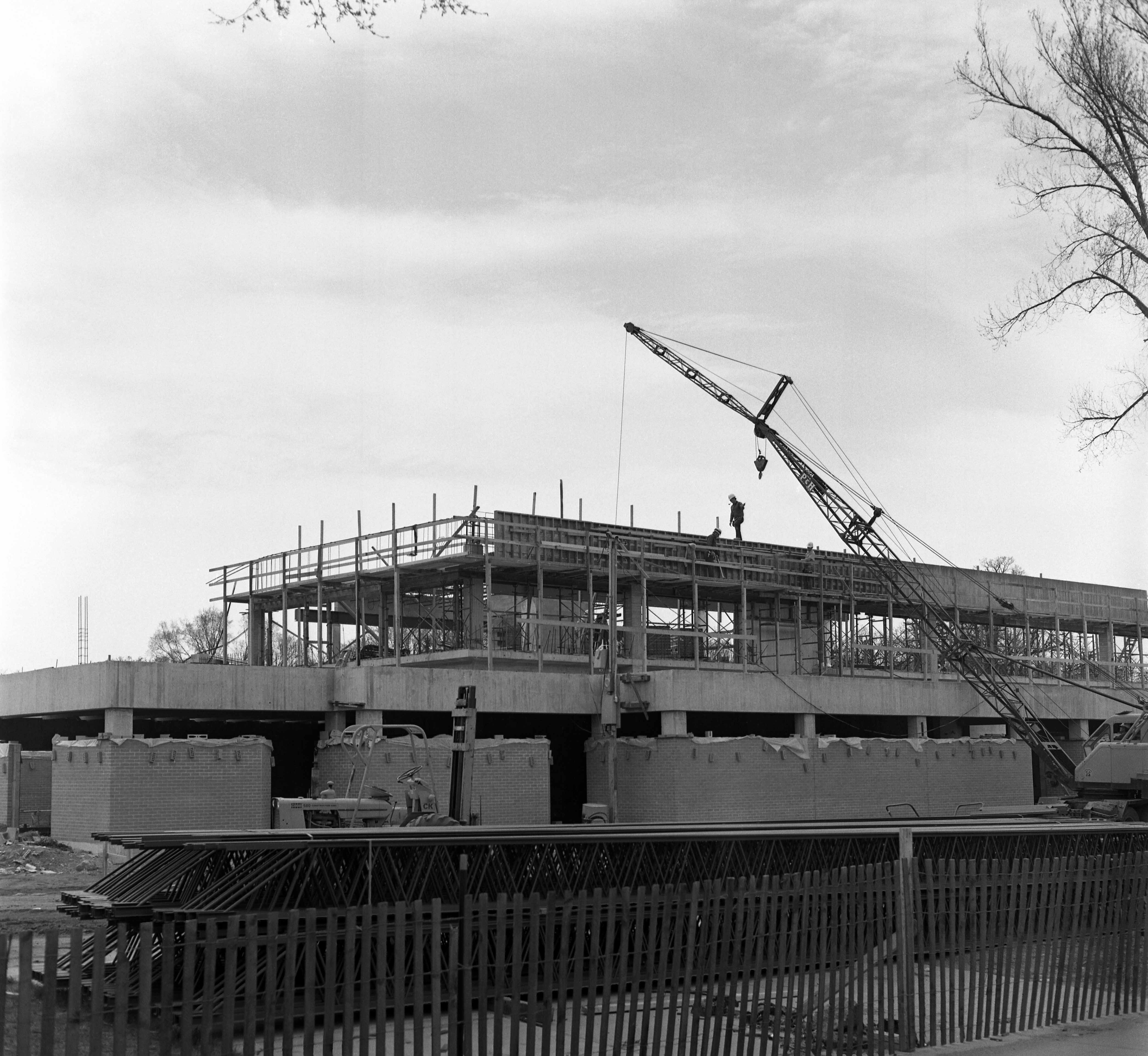 Administrative Services construction, May 1974