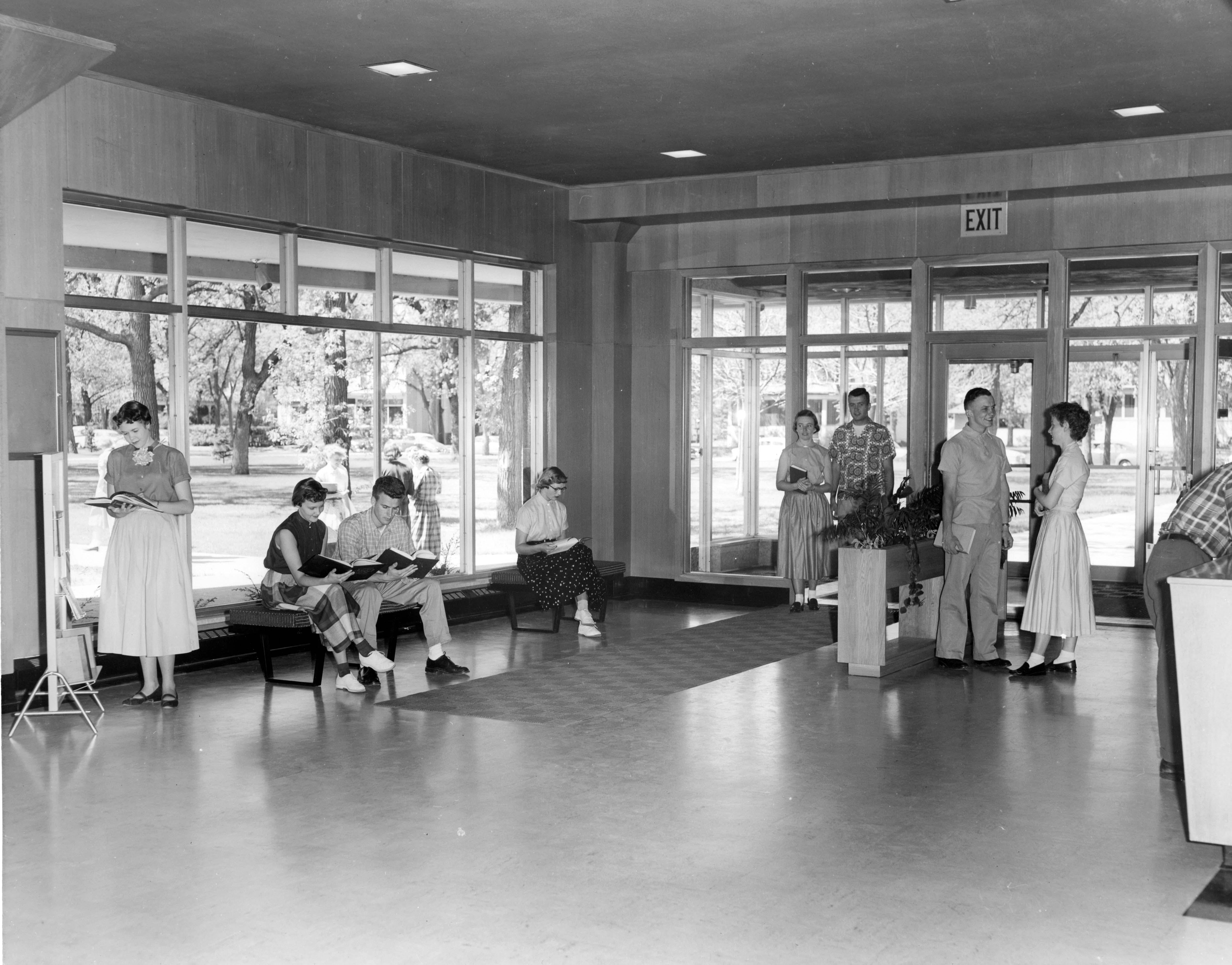 Kiehle front entrance, 1952