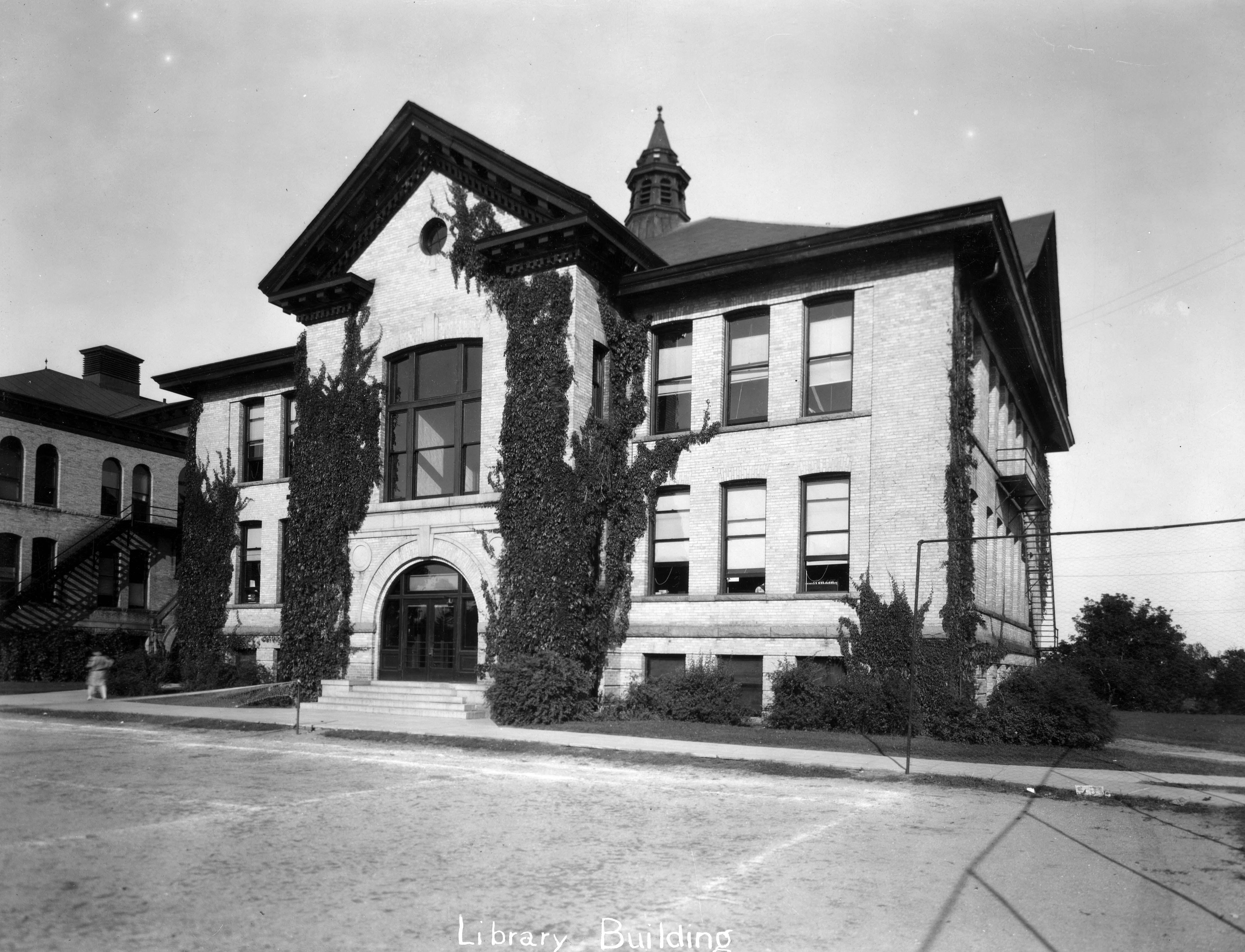 Old Model School