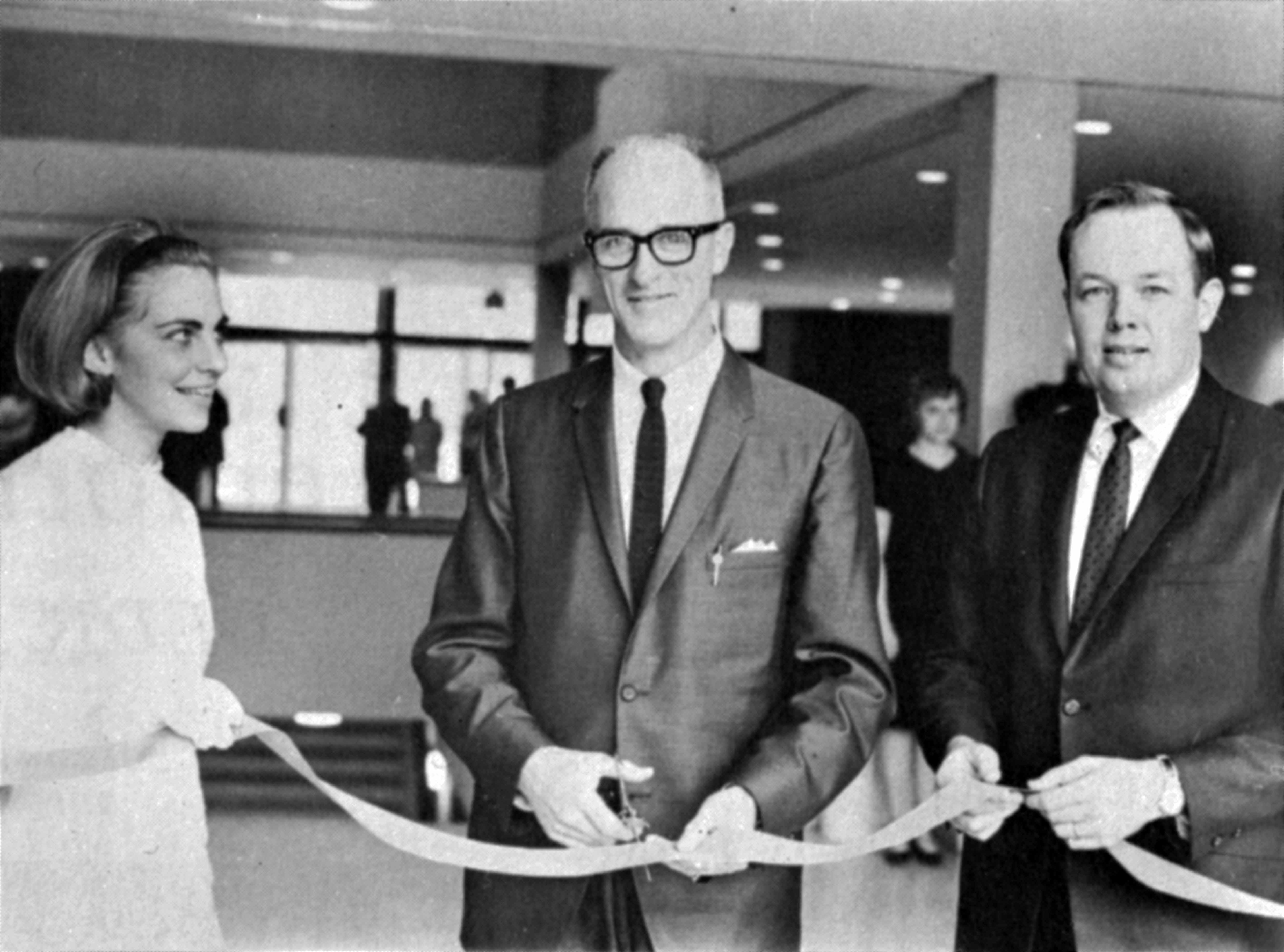Atwood ribbon cutting at dedication, November 1967