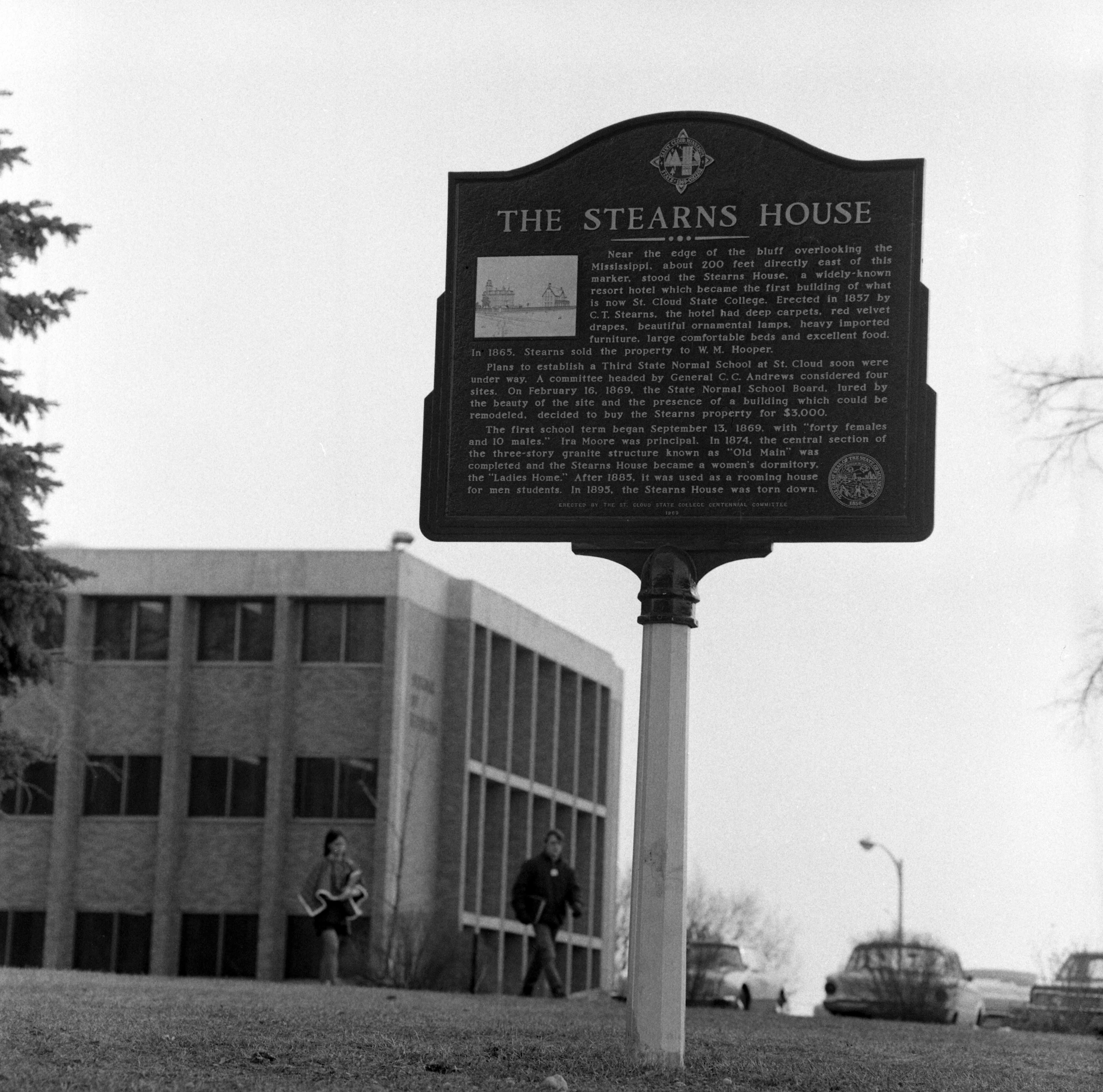 Stearns House historical plaque, 1979