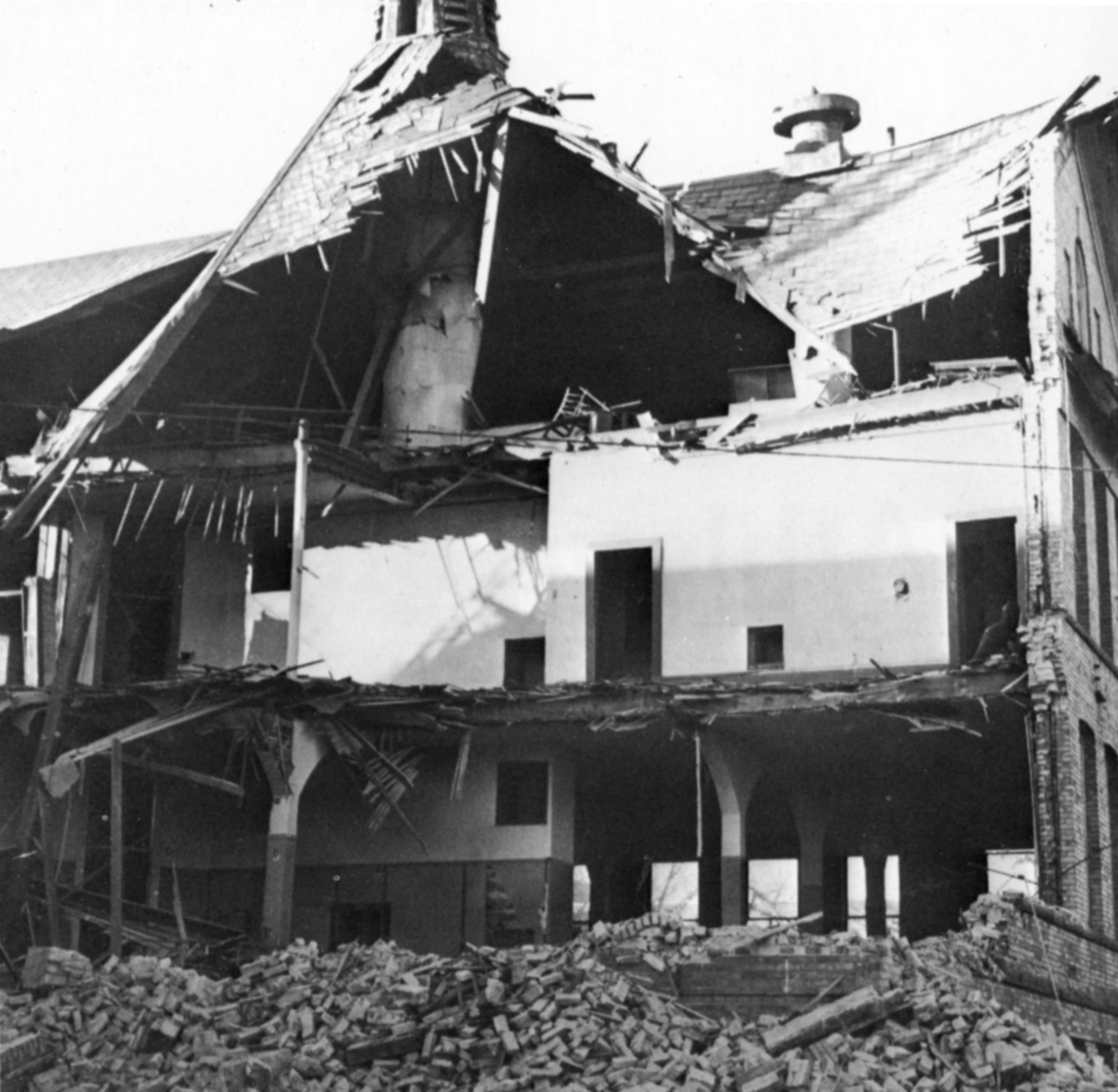 Old Model School demolition, 1960